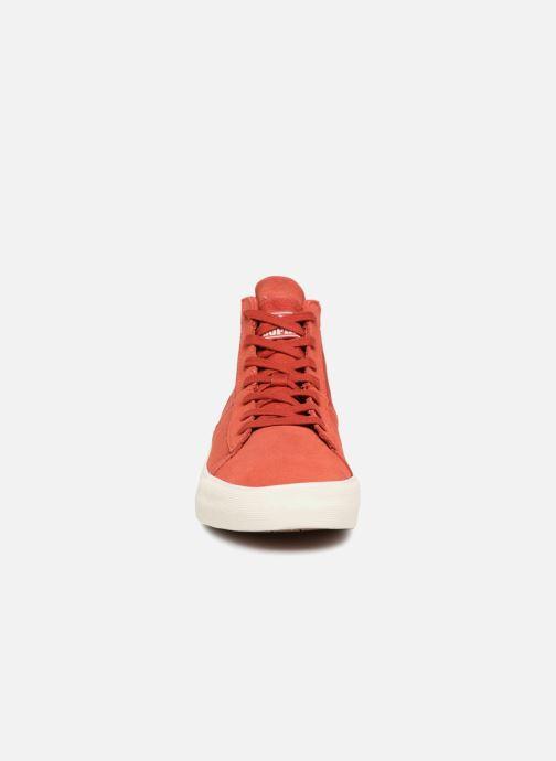 Baskets Supra Stacks Mid Rouge vue portées chaussures