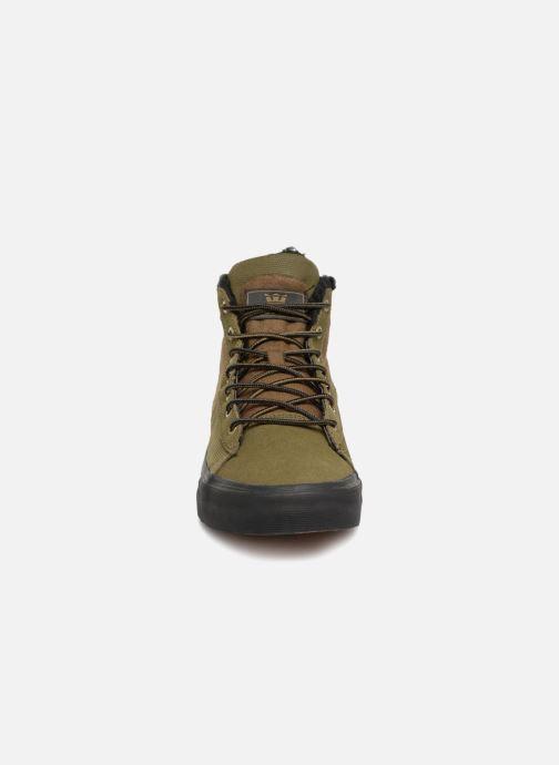 Sneaker Supra Stacks Mid grün schuhe getragen