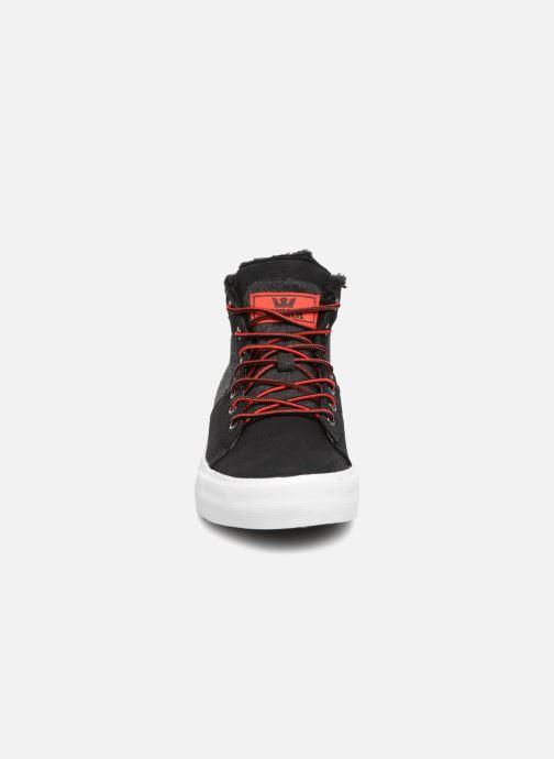 Sneaker Supra Stacks Mid schwarz schuhe getragen