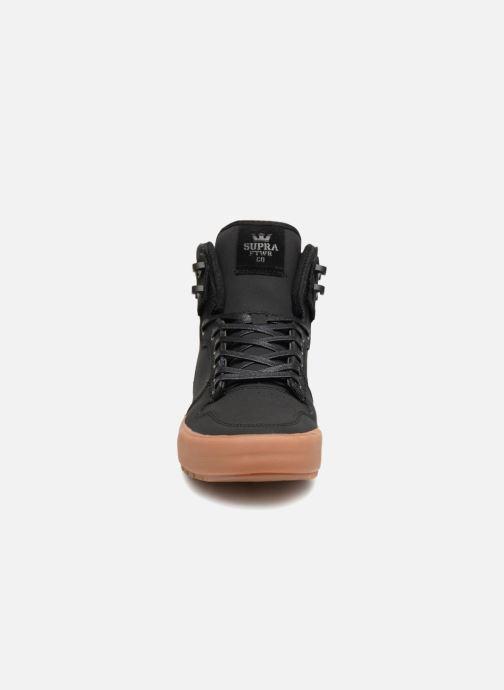 Sneaker Supra Vaider CW schwarz schuhe getragen