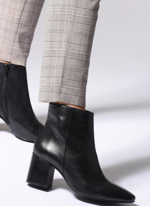Bottines et boots Georgia Rose Remonta Noir vue bas / vue portée sac