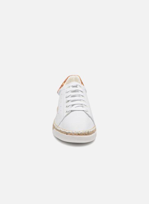 Sneakers Canal St Martin LANCRY PE18 Bianco modello indossato
