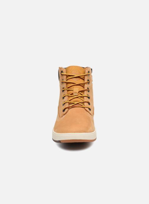 Stivaletti e tronchetti Timberland Davis Square 6 Inch Boot Marrone modello indossato