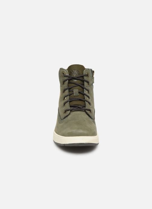 Stivaletti e tronchetti Timberland Davis Square 6 Inch Boot Verde modello indossato