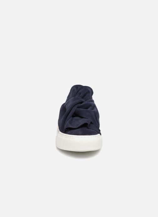Sneakers Bronx Byardenx 65913 Azzurro modello indossato