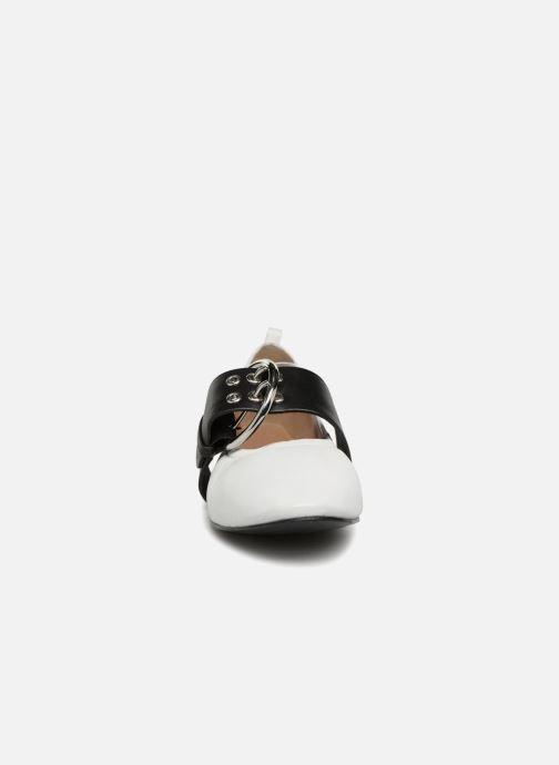 Ballerine Bronx Bsinnerx 66020 Bianco modello indossato