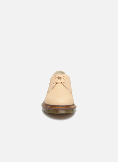 Chaussures à lacets Dr. Martens 1461 F Beige vue portées chaussures