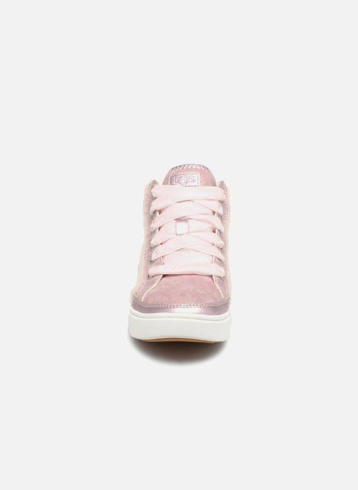 Deportivas UGG Addie Sneaker K Rosa vista del modelo