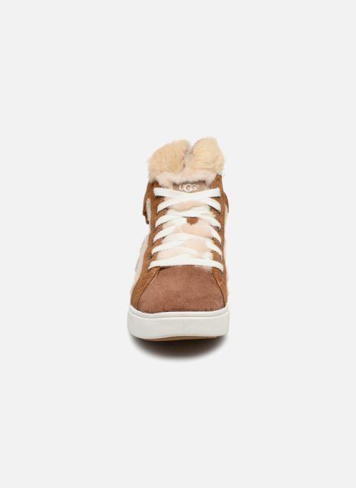 Baskets UGG K Darlala Sneaker Marron vue portées chaussures