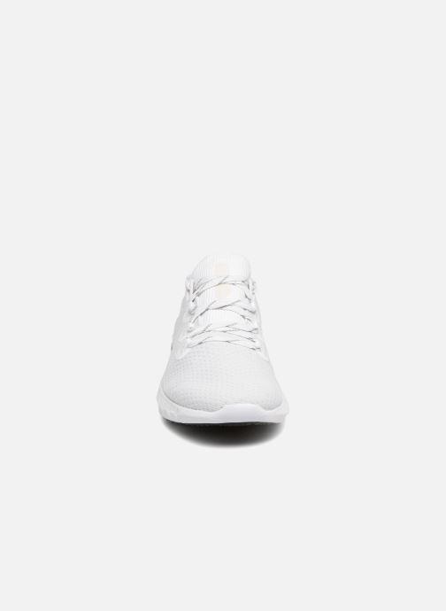 Baskets Under Armour UA HOVR SLK Blanc vue portées chaussures