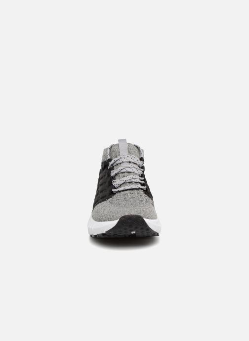 Baskets Under Armour UA W HOVR Phantom NC Gris vue portées chaussures