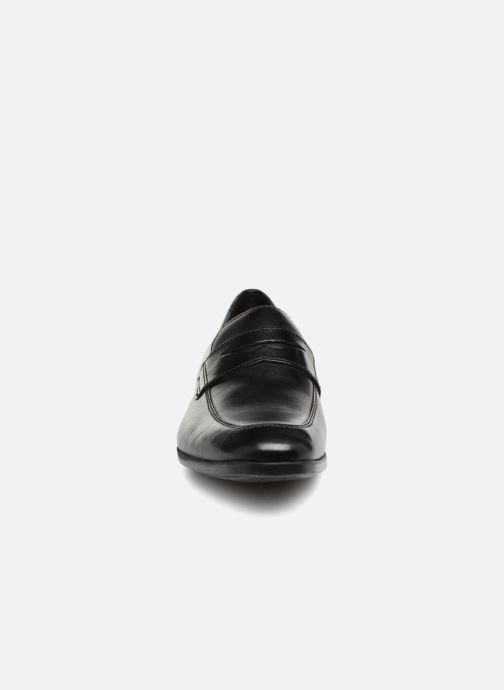 Loafers Clarks Conwell Way Black model view
