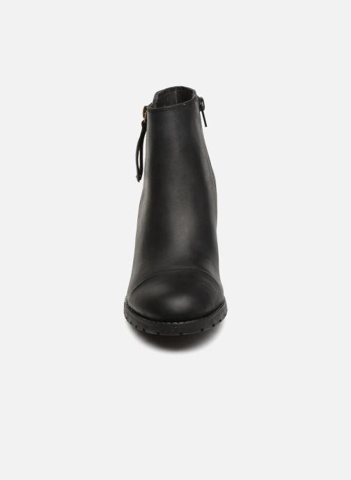 Boots Clarks Verona Peach Svart bild av skorna på