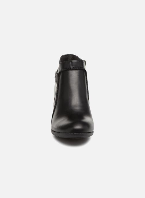 Ankle boots Clarks Enfield Kayla Black model view