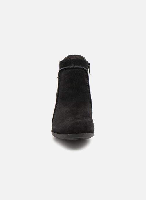 Bottines et boots Clarks Enfield Kayla Noir vue portées chaussures