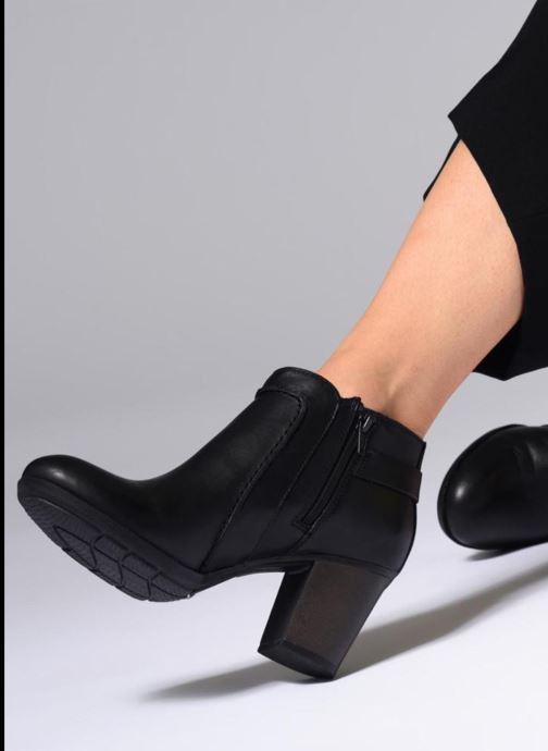 Bottines et boots Clarks Enfield Kayla Bordeaux vue bas / vue portée sac