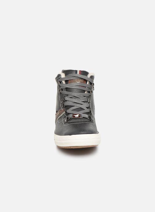 Baskets Mustang shoes Heinrike Bleu vue portées chaussures