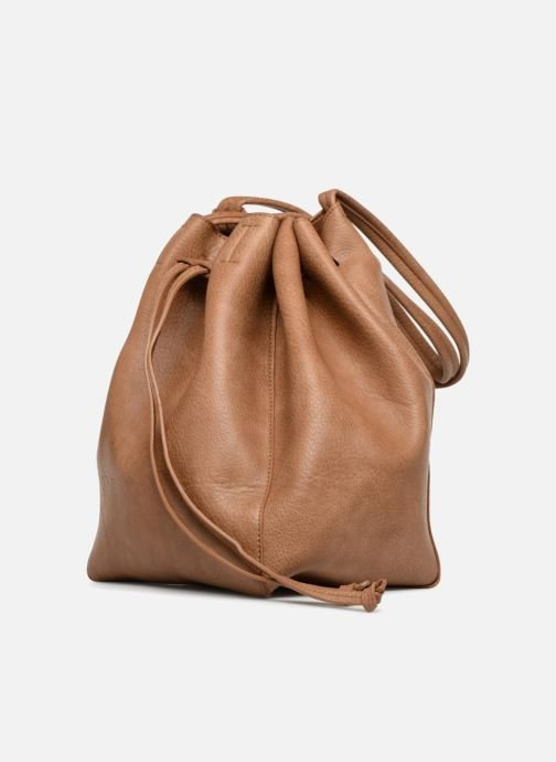 Sacs à main Street Level Tote with front tassel drawstring Marron vue portées chaussures