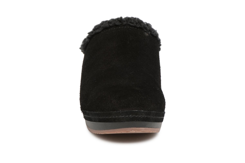 Mules et sabots Crocs SarahLinedClog Noir vue portées chaussures