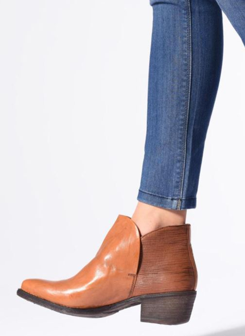 Ankle boots Khrio Polacco 2405 Brown view from underneath / model view