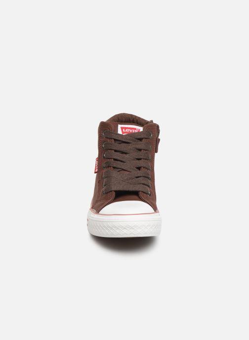 Baskets Levi's New York Marron vue portées chaussures