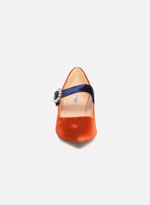 Zapatos de tacón L.K. Bennett Eira Naranja vista del modelo