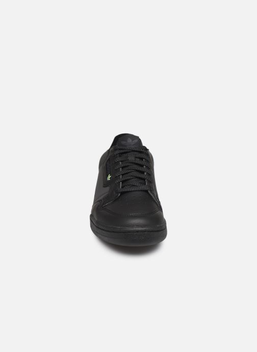Sneakers adidas originals Continental 80 Nero modello indossato