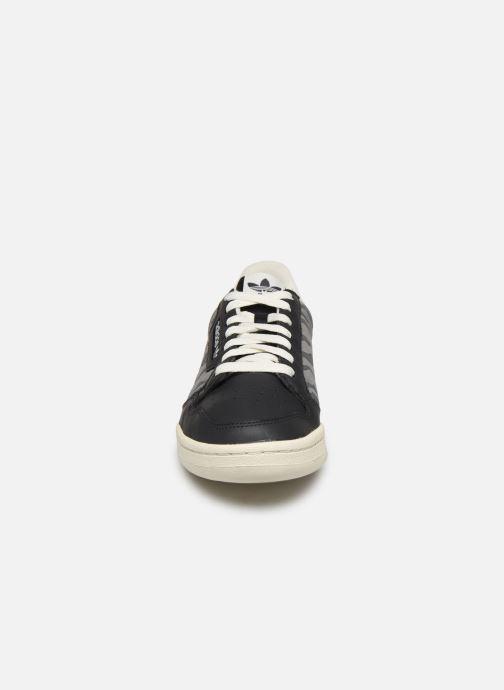 Baskets adidas originals Continental 80 Bleu vue portées chaussures