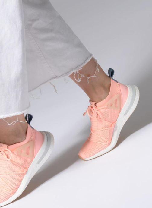 Baskets adidas originals Arkyn Pk W Rose vue bas / vue portée sac