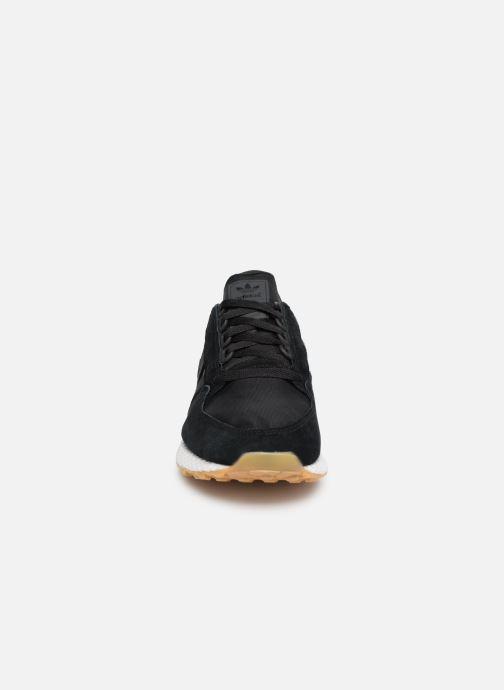 Baskets adidas originals Forest Grove Noir vue portées chaussures