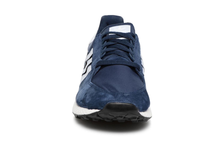 Baskets Adidas Originals Forest Grove Bleu vue portées chaussures