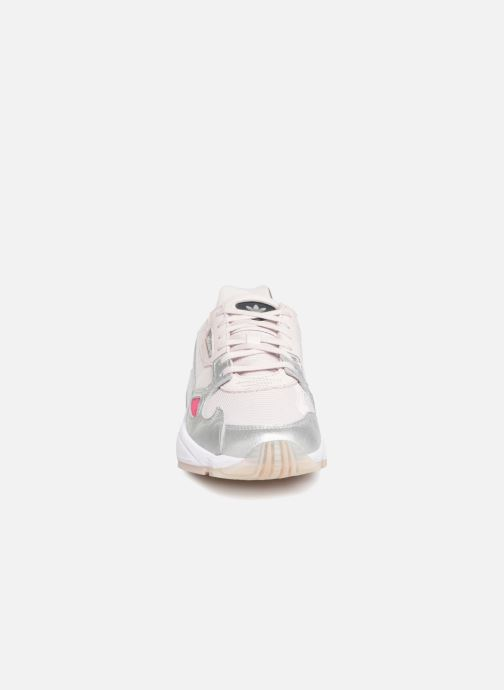 Sneakers adidas originals Falcon W Grå se skoene på