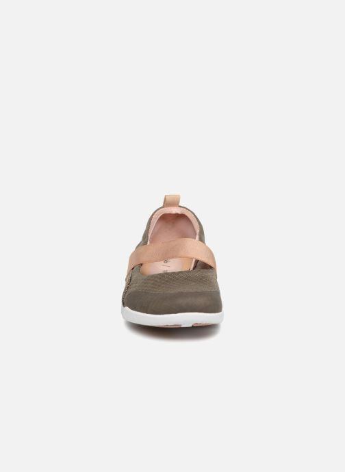 Ballerines Clarks Tri Allie Vert vue portées chaussures