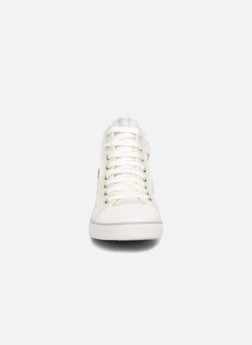 Baskets Geox J KILWI G Blanc vue portées chaussures