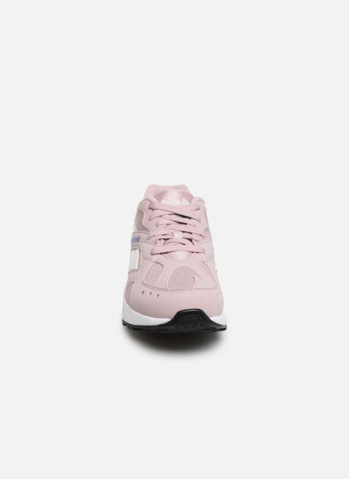 Sneaker Reebok Aztrek rosa schuhe getragen