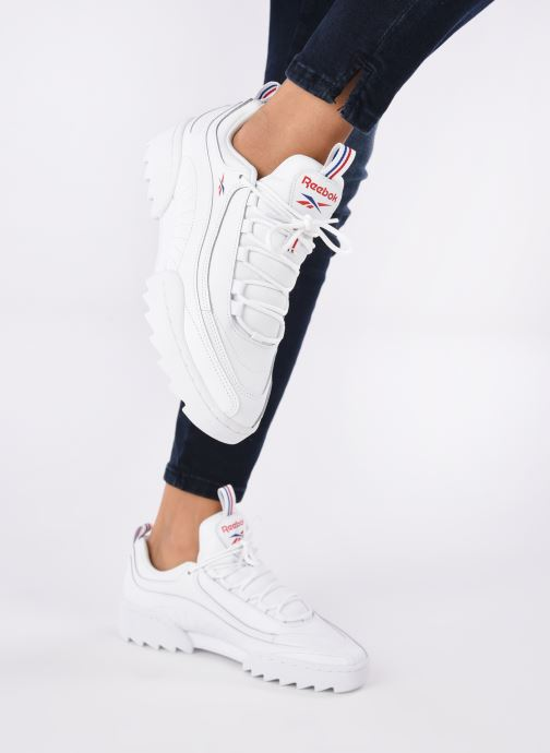 Sneaker Reebok Rivyx Ripple weiß ansicht von unten / tasche getragen
