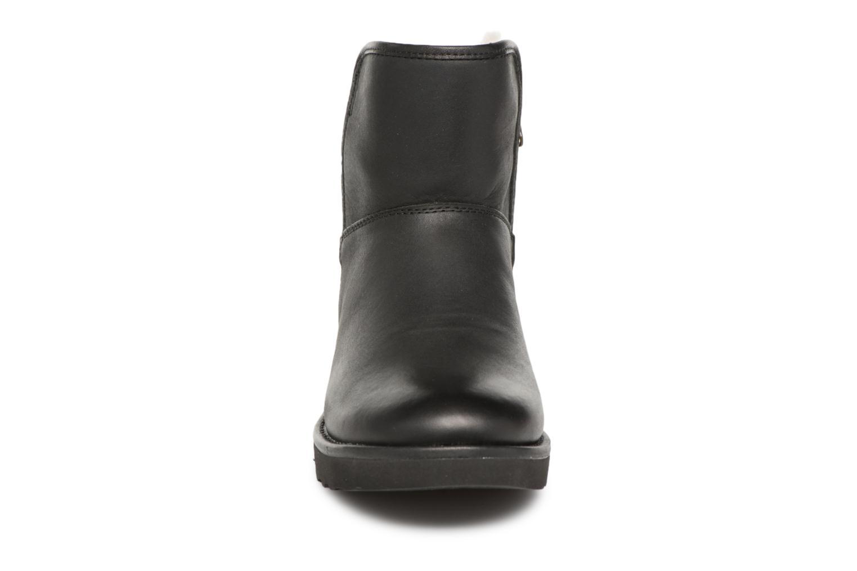 Bottes UGG W Abree Mini Leather Noir vue portées chaussures