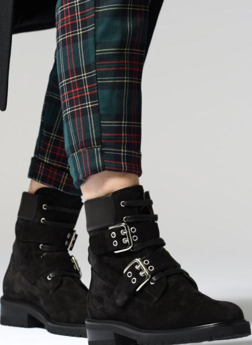 Ankle boots Notabene Tundra Black view from underneath / model view