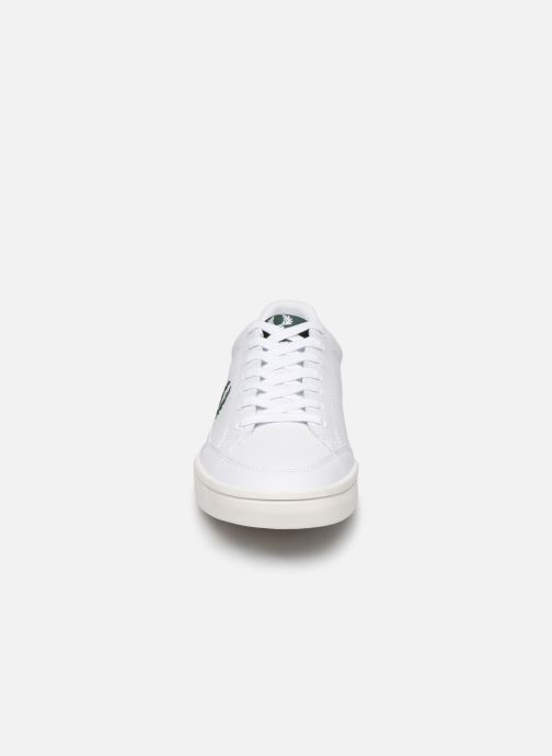 Baskets Fred Perry Deuce Leather Blanc vue portées chaussures