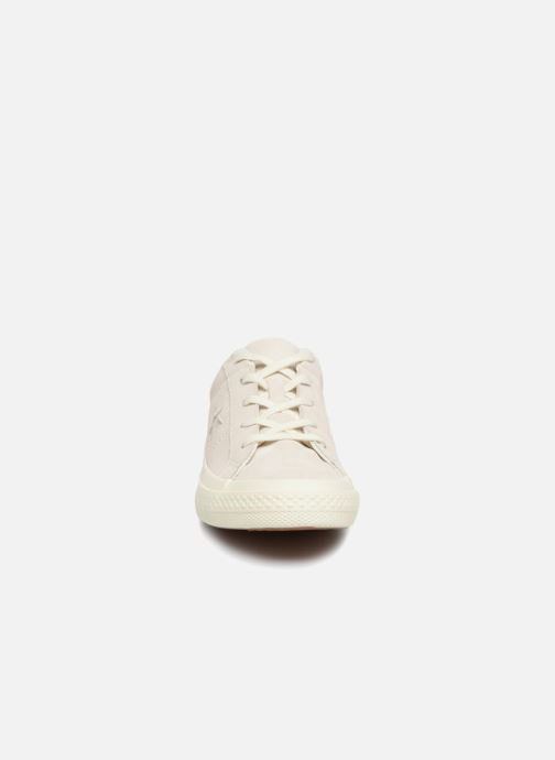 Trainers Converse One Star Suede + Precious Metallic Logo Ox Beige model view