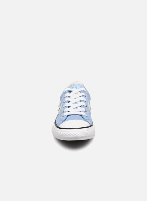 Deportivas Converse Star Player Athletic Suede Ox Azul vista del modelo