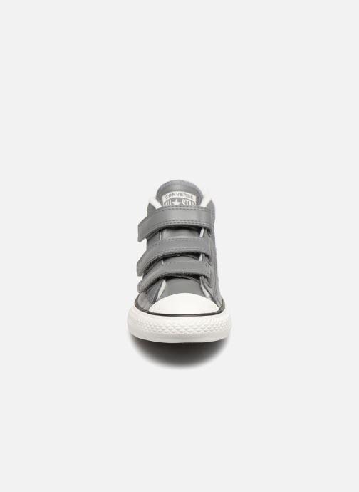Baskets Converse Star Player 3V Varsity Turf Mid Gris vue portées chaussures