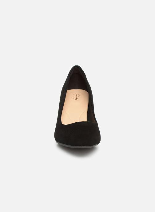 Høje hæle Clarks Calla Rose Sort se skoene på