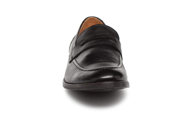 Mocassins Clarks Glide Free Noir vue portées chaussures