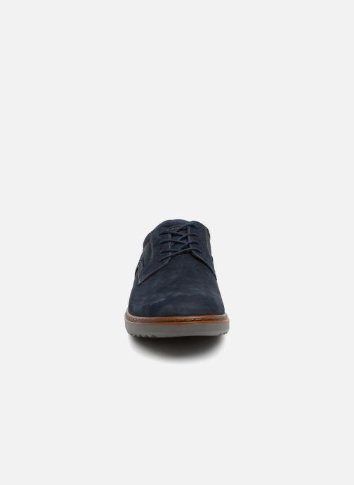 Chaussures à lacets Clarks Unstructured Un Geo Lace Bleu vue portées chaussures