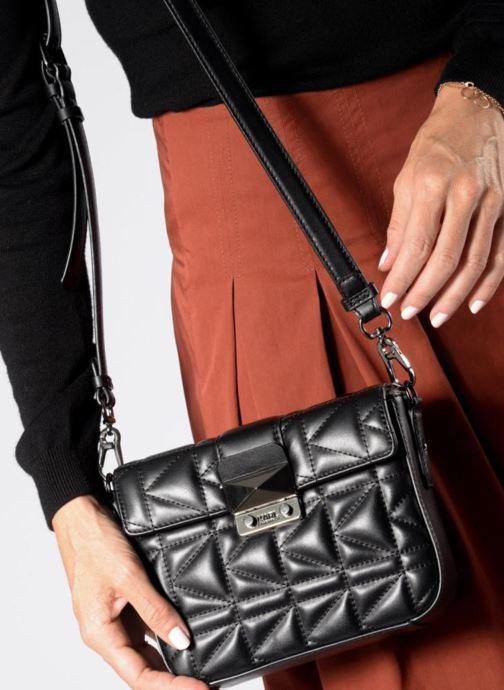 Sacs à main Karl Lagerfeld Kuilted Sac Bandoulière Noir vue bas / vue portée sac
