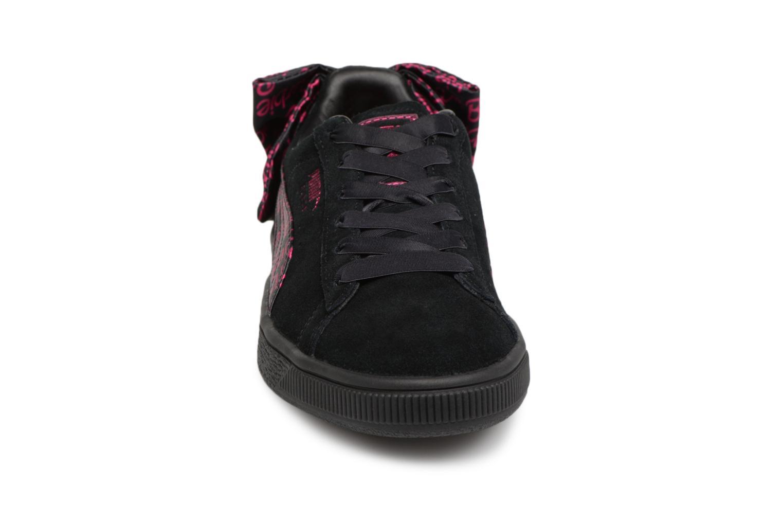 Sneakers Puma Suède 50 X Barbie Nero modello indossato