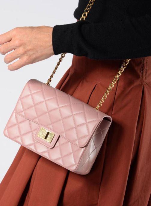 Handtaschen Designinverso Milano braun ansicht von unten / tasche getragen