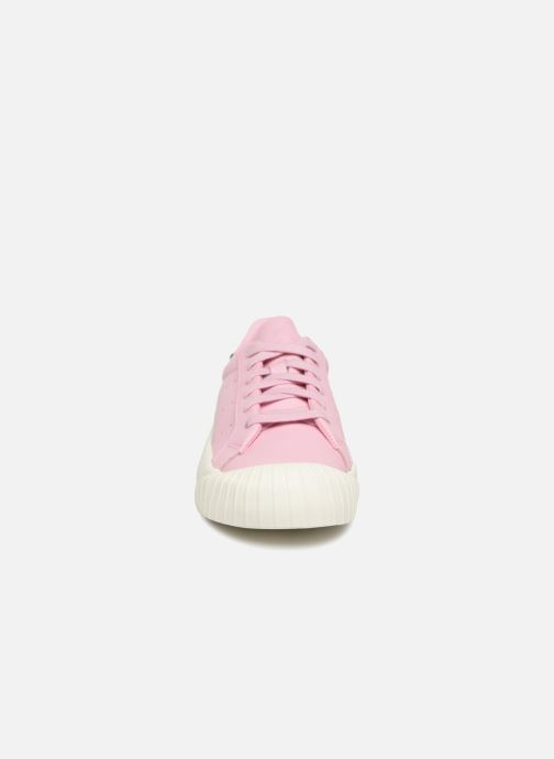 Trainers adidas originals Everyn Pink model view