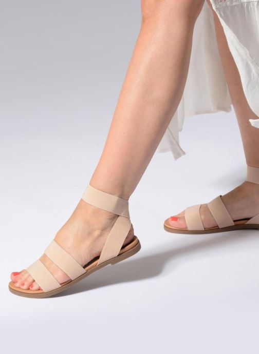 724f65e6524 Sandals Steve Madden Delicious Flat Sandal Beige view from underneath    model view